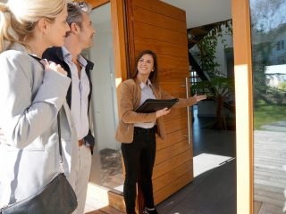 5 Ways a Realtor Can Help You Right Now